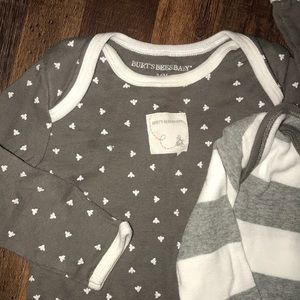 Burt's Bees Baby One Pieces - 🐝 2 one piece cotton outfits. 🐝